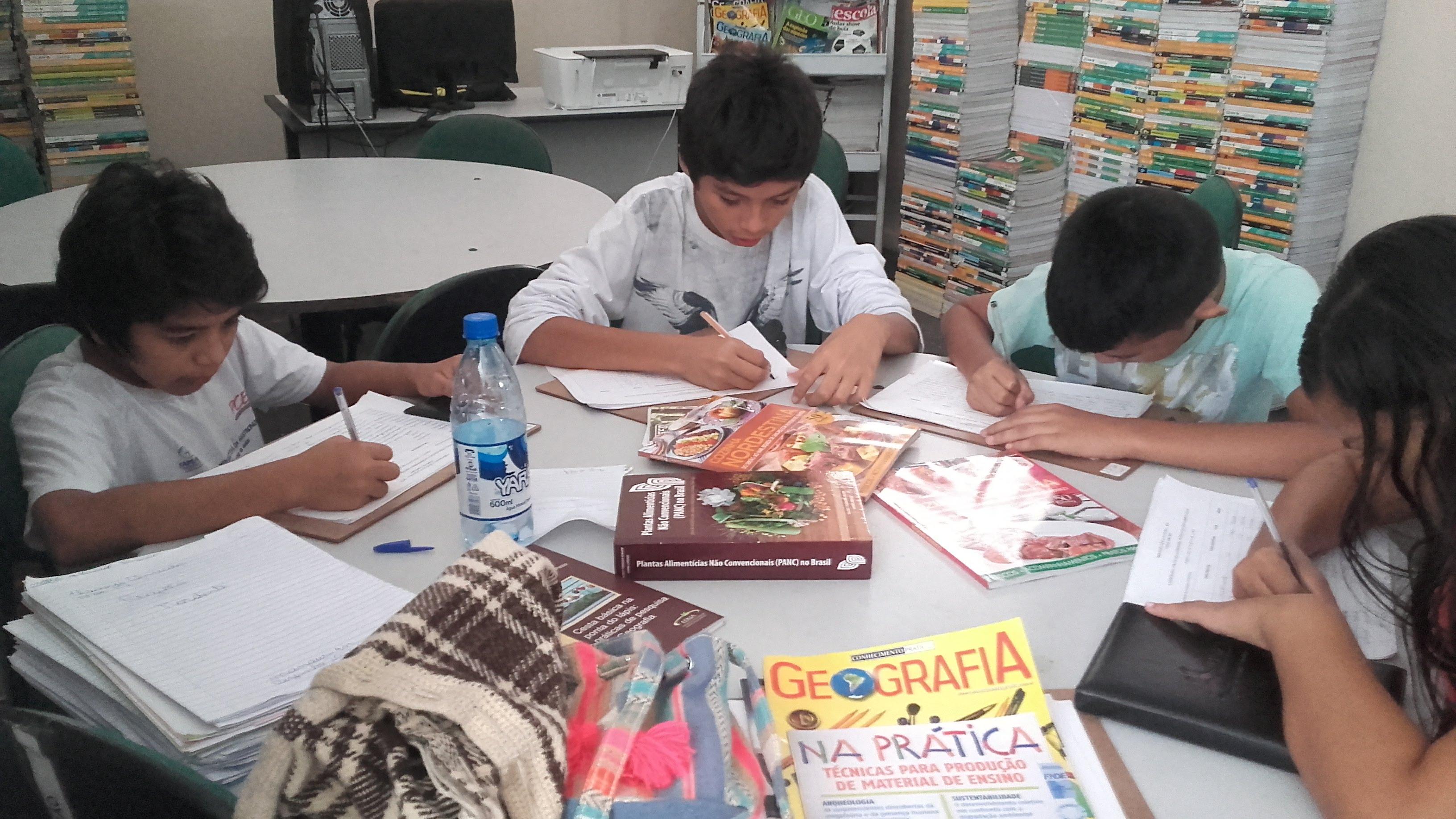 Grupo de estudo_Credito Arquivo da escola