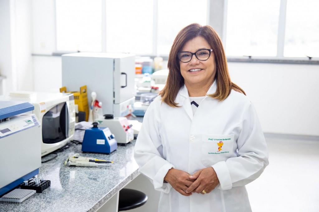 Dra. Cristina Barbosa - UFAM - Fotos Érico X-12