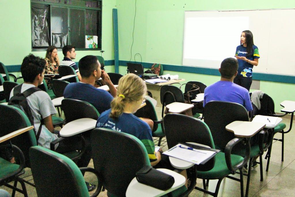 Apresentação Centelha na UEA -Parintins