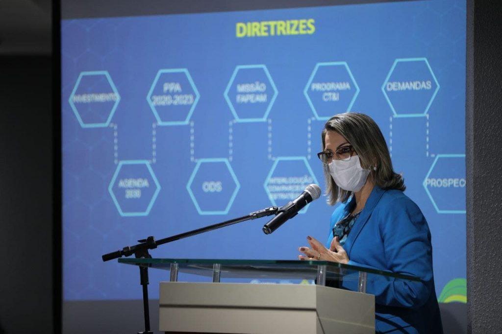 Wilson-Lima-anuncia-investimentos-em-ciencia-tecnologia-e-informacao-3-1024x682